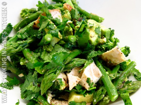 Avocado, Asparagus, Broccoli and Roast Chicken Salad ©