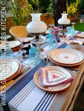 Dinner In The Garden ©