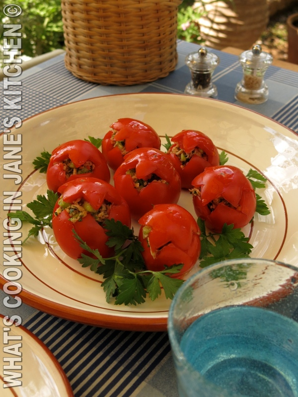 Fresh Summer Tomatoes With Tuna And Ginger ©