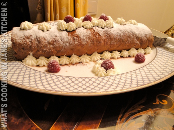 Chocolate And Raspberry Roulade ©
