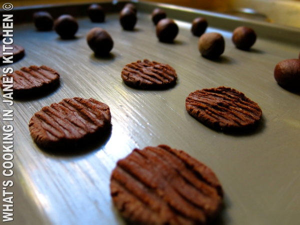 Homemade Chocolate Biscuits ©