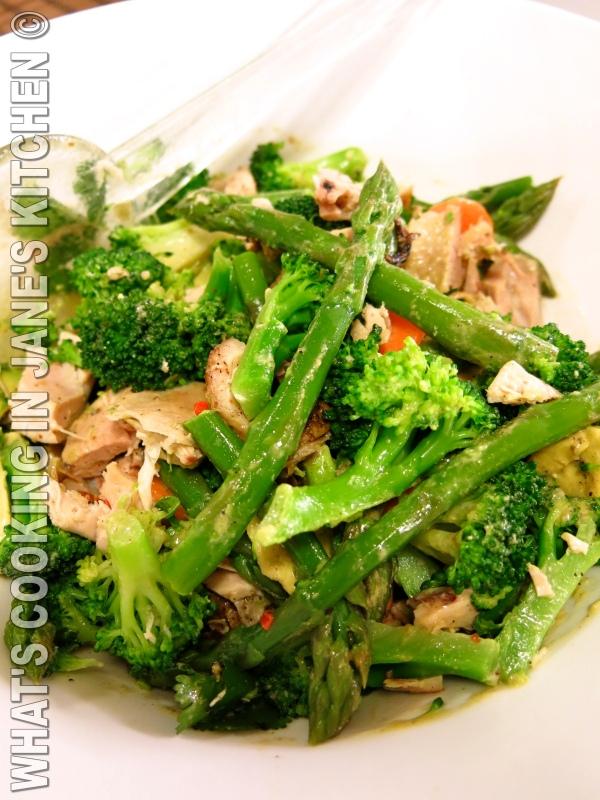 Roast Chicken, Avocado And Asparagus Salad ©
