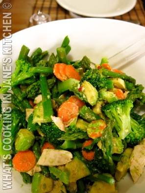 Roast Chicken Avocado And Asparagus Salad ©