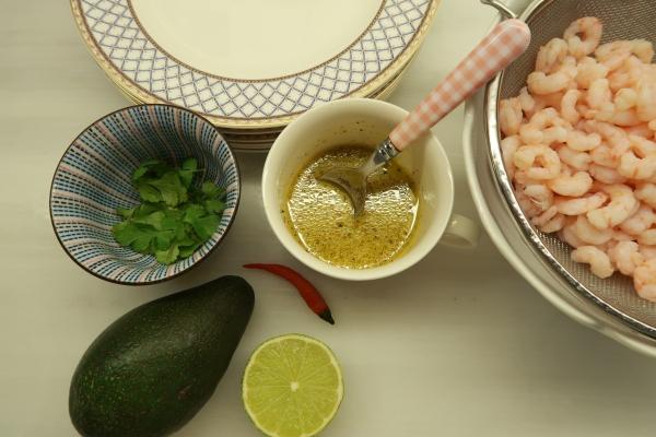 Avocado And Spicy Prawns ©