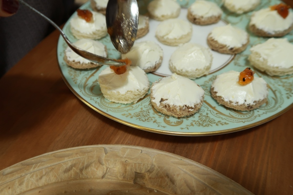 Cream Cheese And Chutney Canapés ©