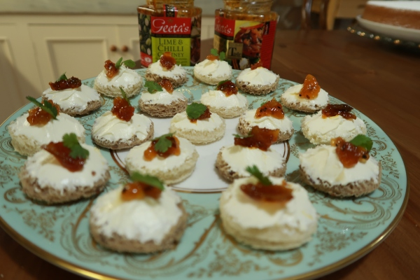 What 39 s cooking in jane 39 s kitchen add a little spice to for Cream cheese canape