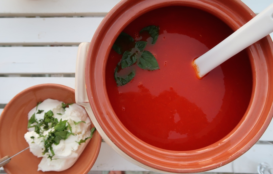 Summer Chilled Tomato Ginger Coriander And Lemon Grass Soup ©